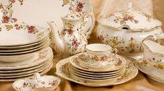 Nem véletlen Hungarikum. High Tea, Tea Pots, Decorative Plates, Crystals, Tableware, Glass, Kitchen, Home Decor, Hungary