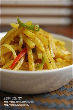 Vegetable Seasoning, Korean Food, Thai Red Curry, Spaghetti, Pork, Yummy Food, Vegetables, Cooking, Ethnic Recipes