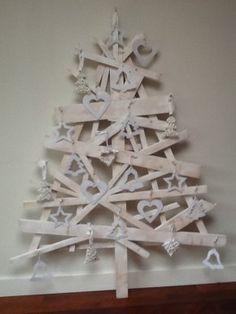 Christmas tree- wouldn't do all white thou Scandinavian Christmas Ornaments, Recycled Christmas Tree, Unique Christmas Trees, Alternative Christmas Tree, Woodland Christmas, Rustic Christmas, Xmas Tree, Beautiful Christmas, All Things Christmas