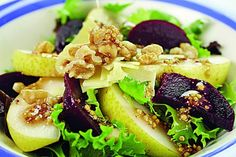 Pear Salad with Raspberry Dressing Pear Salad, Romanian Food, Soup And Sandwich, Recipe Details, Salad Bowls, Beetroot, Salmon Burgers, Soup Recipes, Sandwiches