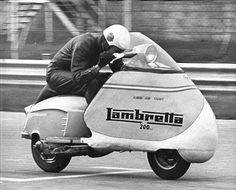 The Lambretta is so well conceived that it starts setting world records the year after it is launched. These Italian scooters challenge th. Moto Scooter, Lambretta Scooter, Vespa Scooters, Vespa T5, Tricycle, Ducati, Motocross, Italian Scooter, Side Car