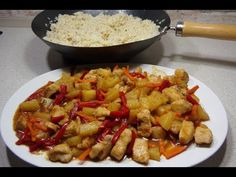 Pui dulce acrisor si orez prajit cu ou sunt cele mai indragite mancaruri chinezesti, preparate in wok, pentru a ne conserva sanatatea si silueta