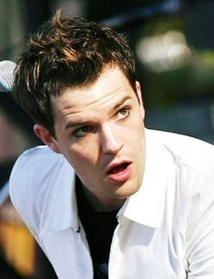 Oh Brandon Flowers, how I love you. <3