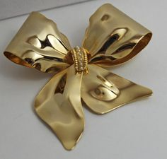Vintage Gold Bow Brooch pearl accent ladies by purrfectstitchers, $10.00