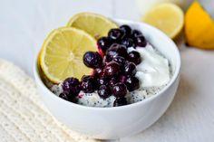 Wil jij een snel ontbijtje dat ook nog lekker en gezond is? Probeer dan deze lemon poppy seed oatmeal eens! Benieuwd? check het recept en de video!