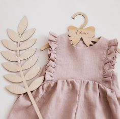 Powder linen ruffle romper – About Children's Clothing Fashion Kids, Little Girl Fashion, Toddler Fashion, Fashion Clothes, Fashion Women, Baby Outfits, Toddler Outfits, Kids Outfits, Organic Baby Clothes
