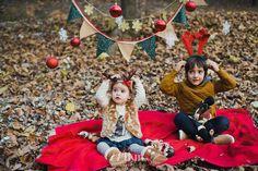 Sesión de fotos familiar navideña en otoño en el bosque en barcelona Fotógrafo de familia en Barcelona, photography, 274km, Gala Martinez, Hospitalet, family, exterior, bosque, bosc, forest, tree, otoño, tardor, autumm, rubí, navidad, nadal)