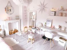 This 36 square meter apartment is located in the German city of Bonn. It stands out for its romantic and feminine decoration Small Apartment Design, Small Apartments, Long Room, Flat Ideas, Comfortable Sofa, White Furniture, Dream Bedroom, Beautiful Homes, Interior Decorating