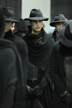 The Classy Issue Witch Fashion, Dark Fashion, Mens Fashion, Fashion Trends, Vampire Fashion, Fashion Updates, Gothic Fashion, Mode Sombre, Der Gentleman