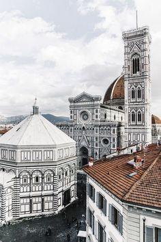 Traveling to Italy means a visit to Florence! These are the top things to do in Florence Traveling to Italy means a visit to Florence! These are the top things to do in Florence Oh The Places You'll Go, Places To Travel, Places To Visit, Toscana, Rome Travel, Italy Travel, Living In Italy, Photo Vintage, Voyage Europe