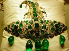 A beautiful Nizami sarpench with Emerald and Diamonds usually worn on a turban.