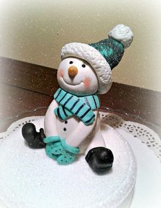 Sweet Snowman Cake by ssmagicakes
