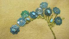 ♥ buttons as flower spray - Sue Spargo