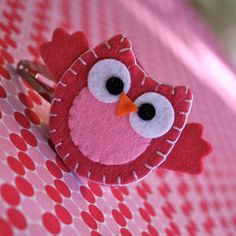 http://www.pinterest.com/debe_tomney/bows /I CAN DO THIS Oona Owl Hair Clip. $7.50, via Etsy.