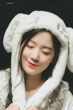 South Korean Girls, Korean Girl Groups, Like A Lion, Fandom, Cute Icons, Korean Star, Extended Play, Cube Entertainment, Soyeon