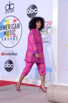 The night before the actual award show, Ross rolled out the red carpet in a hot pink suit by Selam Ghirmay Fessahaye. American Music Awards, Tracey Ellis, Style And Grace, My Style, Tracee Ellis Ross, Style Casual, Lookbook, Street Style, Passion For Fashion