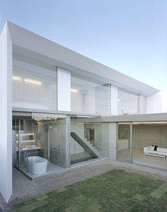 U-House in Yamaguchi, Japan, 2007|Kubota Architect Atelier