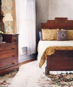 23 Decorating Tricks for Your Bedroom-Choose a focal point. A beautiful piece of furniture becomes the focal point when angled into the room. This approach may be more efficient in your space, too. Dream Bedroom, Home Bedroom, Master Bedroom, Bedroom Decor, Bedroom Ideas, Bedroom Inspiration, Guest Bedrooms, Guest Room, Home Decor Websites