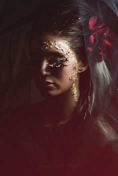 Something moody with some gold leaf makeup     By Janellabelle Photo Creative Photography