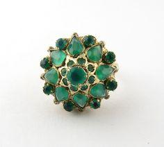 Vintage 14 Karat Yellow Gold Emerald Thai Princess Harem Ring Size 4.75