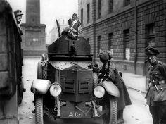 The Green Divide: An Illustrated History of the Irish Civil War Army Vehicles, Armored Vehicles, Local History, World History, Dublin Street, Erin Go Bragh, Michael Collins, Fun World, Irish Eyes