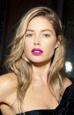 Beauty Inspiration: Bright Fuchsia Pink Lips for Spring Beauty Make-up, Best Beauty Tips, Fashion Beauty, Beauty Hacks, Hair Beauty, Beauty Solutions, Color Rubio, Doutzen Kroes, Beauty Trends