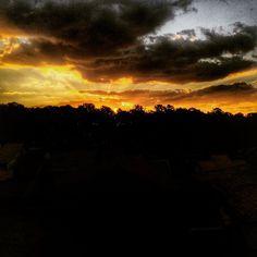 Boa noite, com esse pôr do sol lindíssimo de hoje! <via ISA> #eiEutil #LGG4