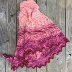 The Peace Maker shawl pattern is available in English and Norwegian. Knitted Shawls, Crochet Shawl, Knit Crochet, Lace Shawls, Shawl Patterns, Knitting Patterns, Crochet Patterns, Peace Maker, Wool Shop