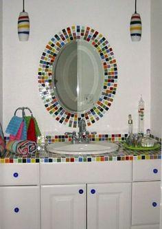 Nudí vás jednobarevné koupelny? Vsaďte na pestrobarevné koupelnové obklady!
