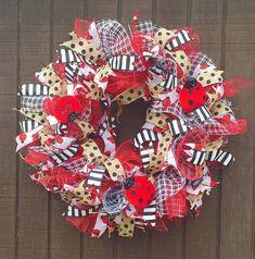 Ladybug wreath, door wreath, Deco mesh wreath,,summer wreath,  wreaths by MarianneBoutiques on Etsy Wreath Crafts, Burlap Wreath, Diy Crafts, Wreath Ideas, Spring Crafts, Holiday Crafts, Holiday Decor, Deco Mesh Wreaths, Door Wreaths