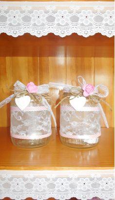 glazen potten met kant/lint en strik leuk met een waxinelichtje erin