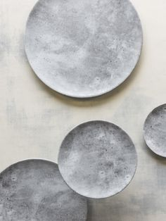 CONCRETE DINNERWARE Concrete Table, Porcelain Dinnerware, Dinning Table, Concrete Finishes, Fine Porcelain, Dinner Plates, Outdoor Tables, Cutlery, Dishes