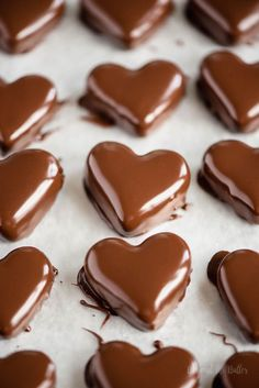 These chocolate covered peanut butter hearts are small, bite-sized treats that taste VERY GOOD and are so easy to make for that special someone! Peanut Butter Tree, Peanut Butter Filling, Chocolate Peanut Butter, Melting Chocolate, Chocolate Recipes, Chocolate Art, Homemade Chocolate, Homemade Sweets, Chocolate Truffles