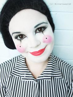 simples Make-up in schwarzweiß mit rosafarbenen Lippen simple make-up in black and white with pink lips Pierrot Costume, Mime Costume, Costume Carnaval, Costume Makeup, Costumes, Circus Costume, Mime Makeup, Halloween Face Makeup, Mime Face Paint