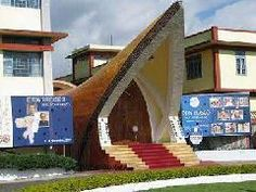 Other most enthralling museum in Shillong is Don Bosco Museum. This museum is a storehouse with lots of informations on different states of north-east India such as Assam, Meghalaya, Arunachal Pradesh, Manipur, Nagaland, Tripura and Mizoram. The museum houses wonderful collection of handicrafts, artwork, jewelry, weapons, fine paintings and photographs. Arunachal Pradesh, Shillong, Clear Lake, Dehradun, Shimla, Leh, Places Of Interest, Culture Travel, India Travel