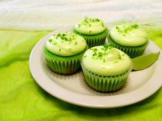 key lime cupcakes and creamcheese lime frosting