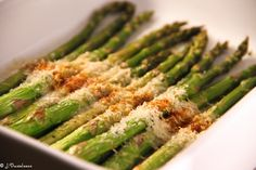Parmesanrostad Sparris! 2 Propoints Food Hacks, Food Tips, Starters, Parmesan, Asparagus, Vegetarian Recipes, Clean Eating, Low Carb, Lunch