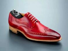 Carlos Santos Shoes, love the shoe, even will never stay nearly similar after wearing Wingtip Shoes, Brogues, Carlos Santos Shoes, Men Dress, Dress Shoes, Cap Toe Shoes, Shoes Sandals, Gentleman, Fashion Shoes
