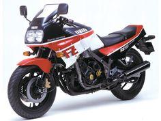 ヤマハ FZ750 1985年式の詳細スペック情報(発売年、タンク容量、燃料供給方式、シート高、最高出力など)。FZ750ユーザのための、必要な情報が全てが揃う。さらに!スペック情報からのパーツ検索、タイヤ検索、純正部品まで。バイクのことなら、ウェビック