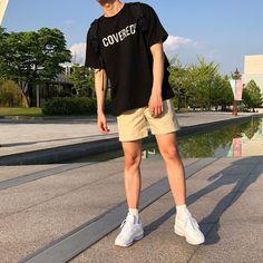 Stylish ideas on latest korean fashion 042 Streetwear Shorts, Streetwear Mode, Streetwear Fashion, Korean Outfits, Mode Outfits, Trendy Outfits, Summer Outfits Men, Retro Fashion 80s, Teen Fashion