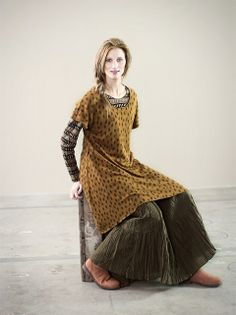great long layering / gudrun / mustard dress