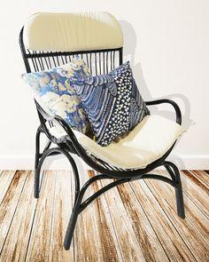 Chaise de salon en rotin noir par leaandlani sur Etsy