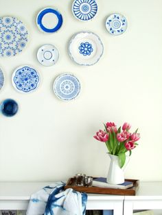 Home Sweet Home : on accroche ses assiettes au mur ! - Plumetis Magazine