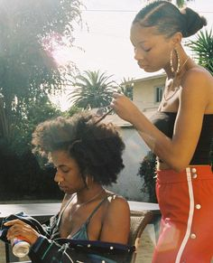 The kinks, curls, or tight coils in Afro hair is beautiful and unique. The kinks, curls Black Girl Magic, Black Girls, Arte Hip Hop, Curly Hair Styles, Natural Hair Styles, The Kinks, Pelo Afro, Black Girl Aesthetic, Aesthetic Pics