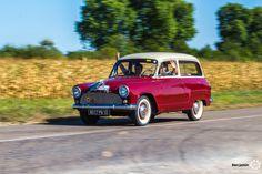 Simca Aronde P60 Chatelaine aux 48h Automobiles de Troyes #MoteuràSouvenirs Reportage : http://newsdanciennes.com/2016/09/12/les-48h-automobiles-de-troyes-2016-cetaient-quatre-jours-de-bonheur/