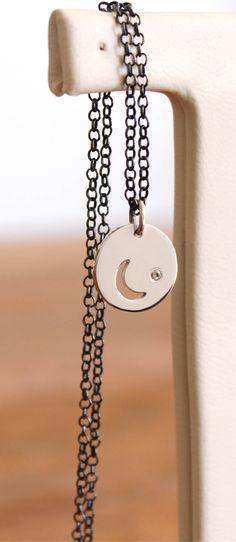 Maravilhosa joia feita com corrente oxidada, cristal e pendente em prata  polida. Aquele colar que a gente quer us…   Handmade necklaces - Fran  Bagatini in ... 7c8b05ac1e