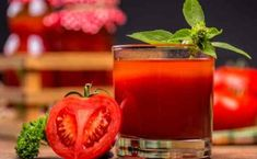 How to Can Tomatoes: Water-Bath and Pressure-Canning Nutrients In Tomatoes, Health Benefits Of Tomatoes, Best Hangover Cure, Hangover Food, Homemade Pumpkin Puree, Canned Pumpkin, Cocktail Saint Valentin, Canned Tomato Juice, Recipes