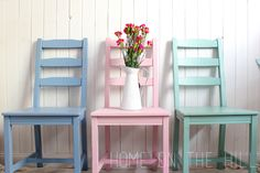 pastelowe krzesła / pastel chairs
