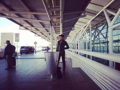 谷中敦 [東京スカパラダイスオーケストラ]さんはInstagramを利用しています:「来ないな、。そろそろ飛行機の時間なんだけどな、。笑」 Instagram