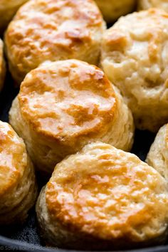 Learn all the tricks for flaky buttermilk biscuits and find the easy and quick recipe for the best biscuits right here! You only need 6 ingredients.
